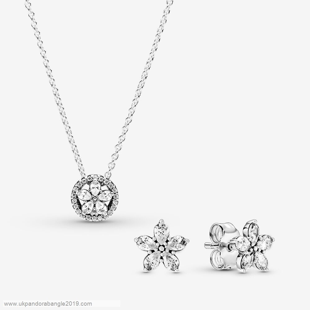 Authentic Pandora Sparkling Snowflake Necklace & Earring Gift Set